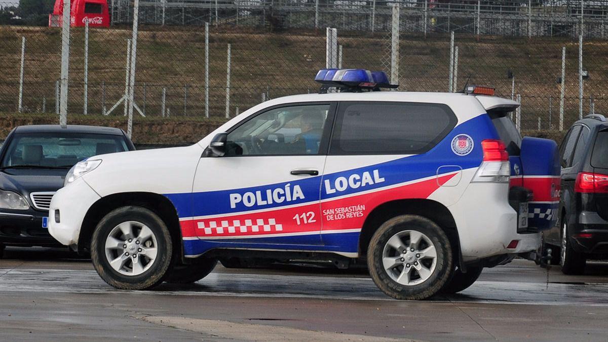alt - https://imagenes.20minutos.es/files/og_thumbnail/uploads/imagenes/2020/04/03/policia-de-san-sebastian-de-los-reyes.jpeg