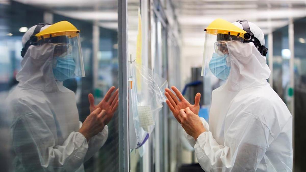 El virus en Cataluña suma más de 4.000 nuevos contagios y las UCI ya superan los 500 ingresados