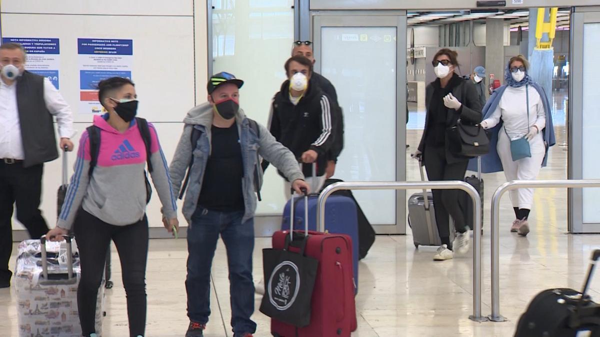 Vídeo: España obligará a guardar cuarentena a los viajeros