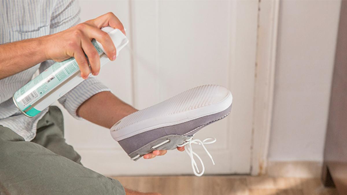 Llaves, zapatos, móviles, suelas de zapatos... Los consejos de Mercadona para desinfectar bien al llegar a casa