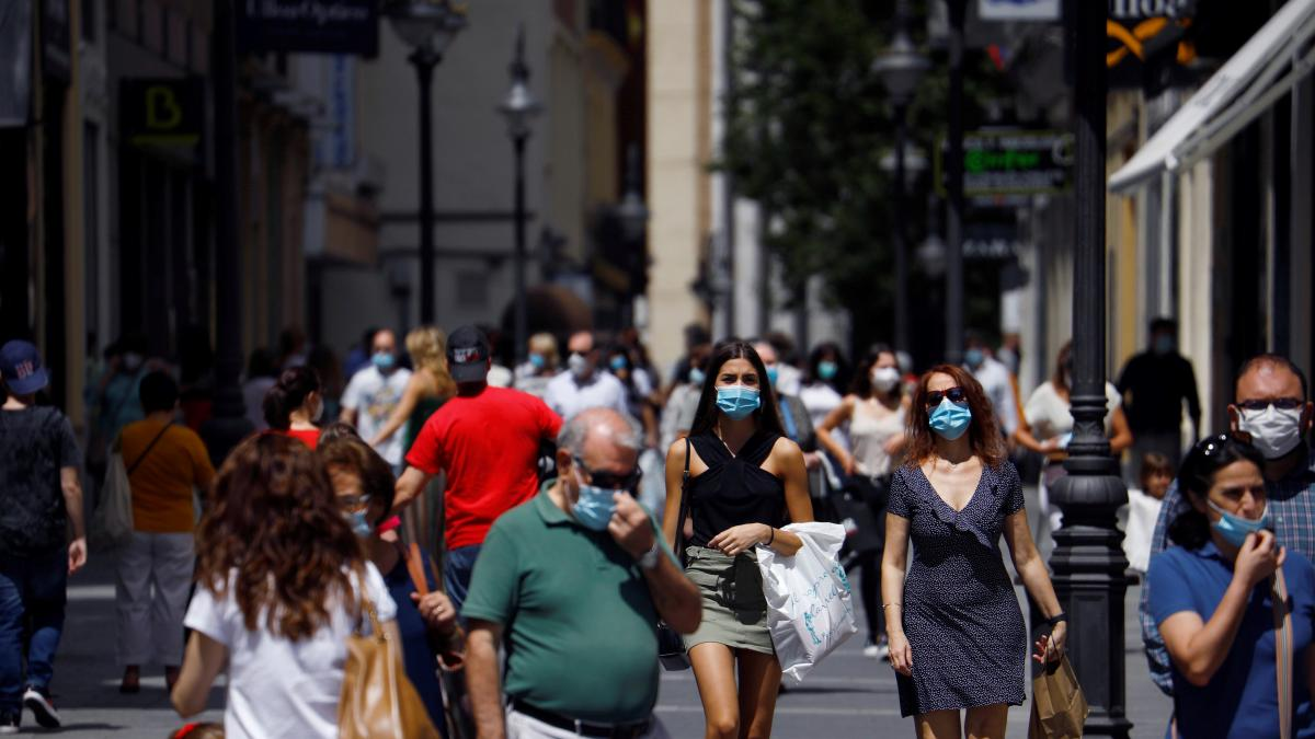 La incidencia sube en España por primera vez desde abril por la cepa Delta y Sanidad notifica 29 muertes en el día
