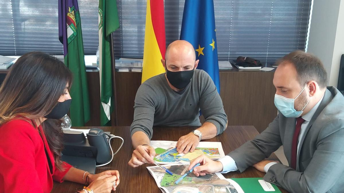 Junta y Ayuntamiento de Málaga impulsarán el depósito judicial en Hacienda Santa Isabel, que sumará zonas verdes 1