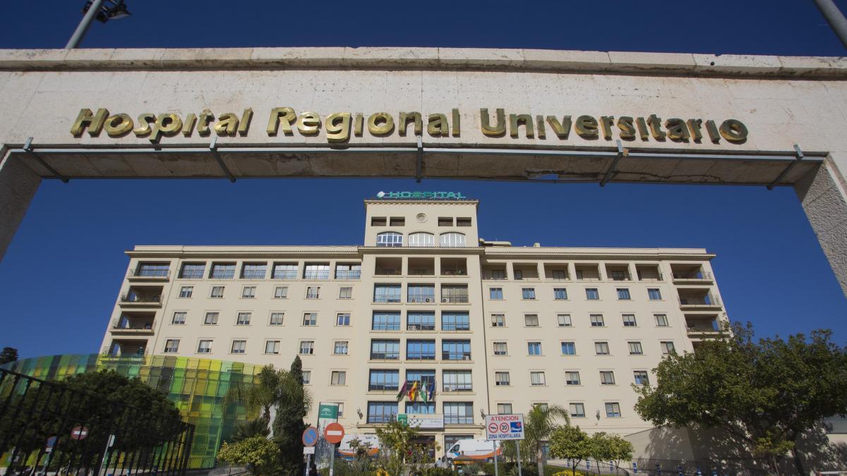 Sucesos.- Continúa en la UCI del Hospital Regional el herido por impacto de bala en Marbella 2