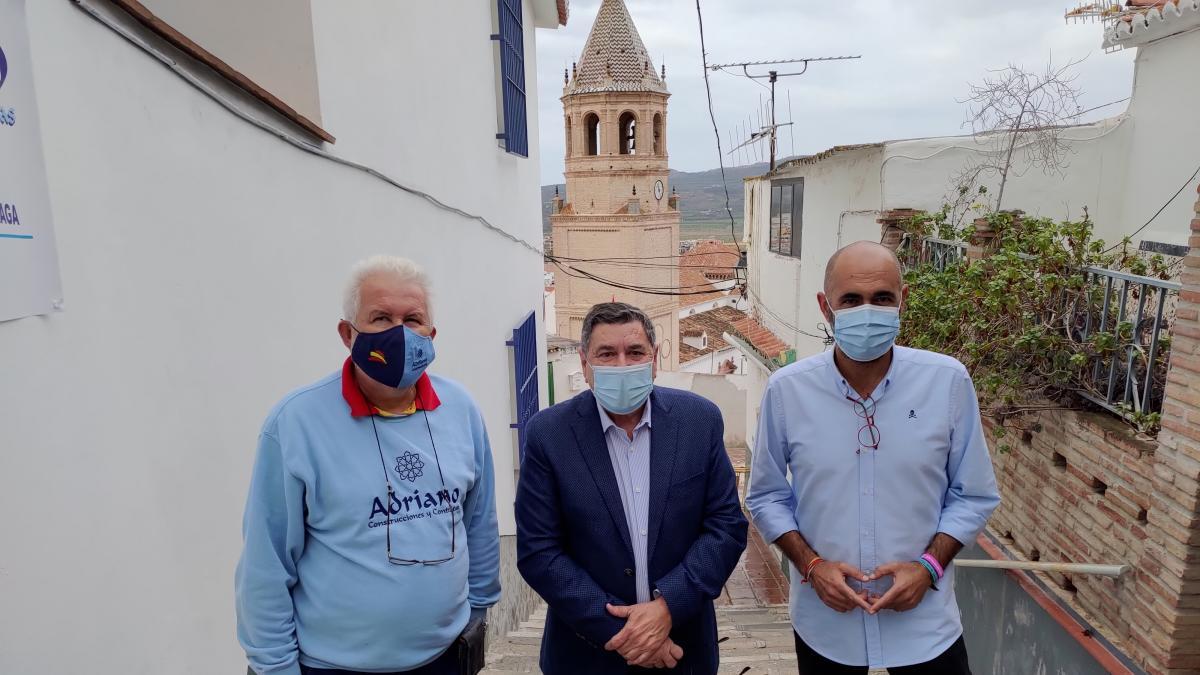 Arrancan las obras de reurbanización de la calle Almudena de Vélez-Málaga 2