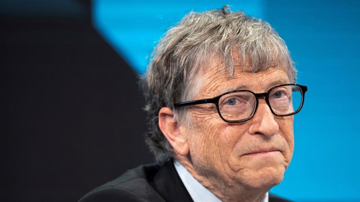 Bill Gates pronostica un mundo tras la pandemia con menos horas de oficina  y la mitad de viajes de negocios
