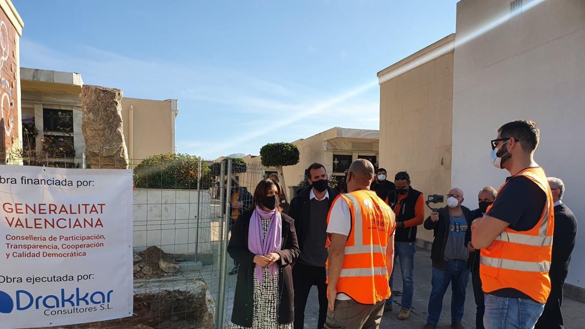 Trabajos en la fosa del Cementerio de Orihuela prevén recuperar restos de 17 represaliados por el franquismo