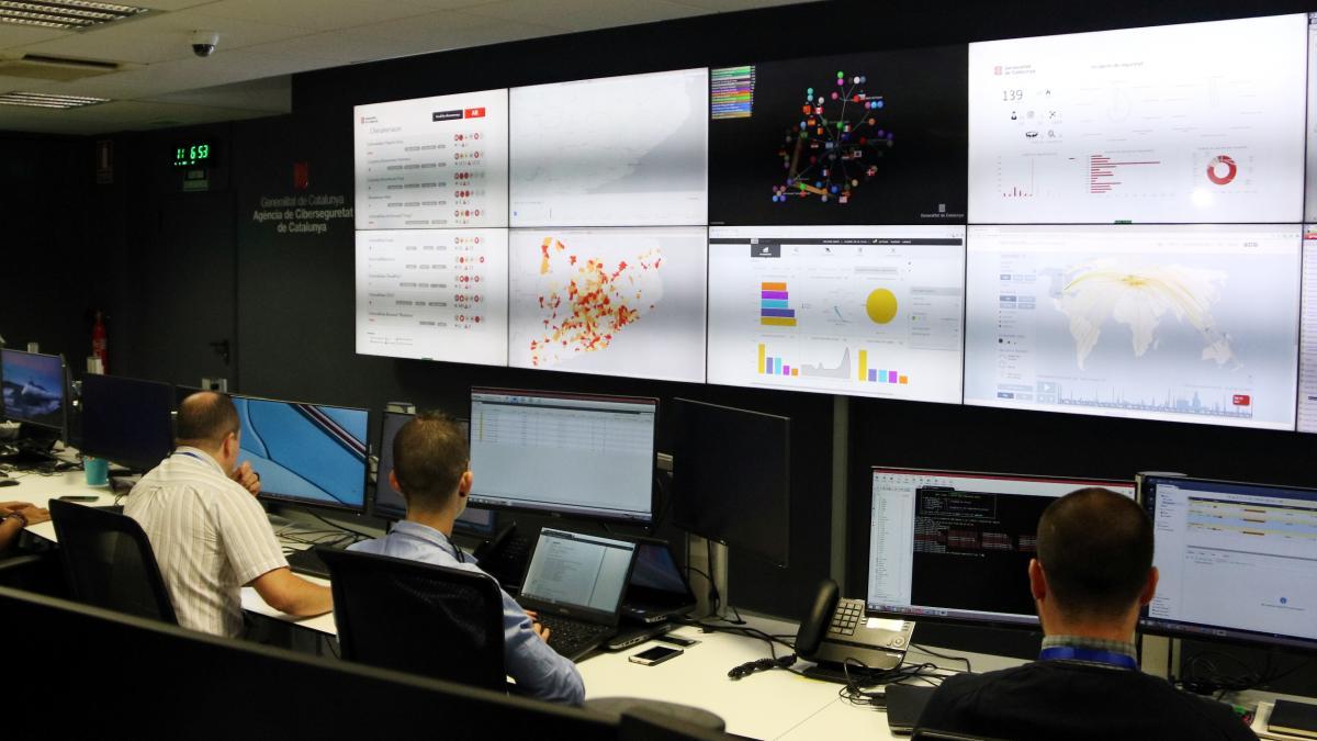 Un fallo de seguridad en tres páginas web de la Generalitat deja al descubierto los datos de 5.000 usuarios