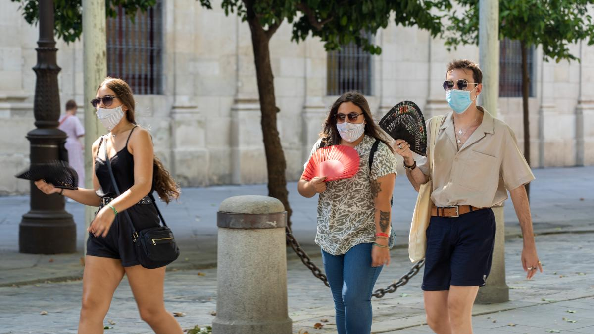 Andalucía mantendrá las mascarillas obligatorias al menos hasta agosto