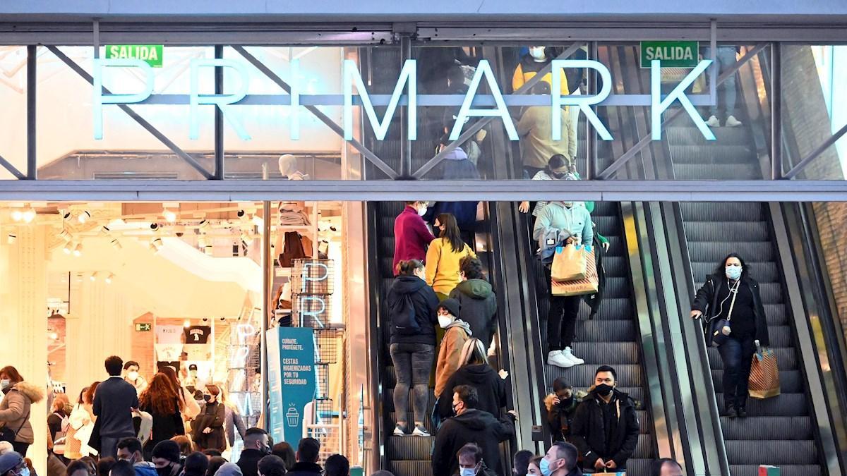 Primark busca más de 80 empleados para sus tiendas: cómo acceder a esta oferta de trabajo