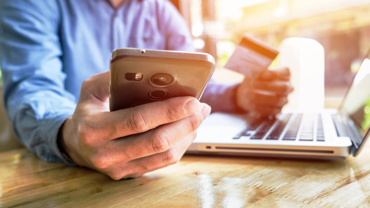 La autenticación reforzada de cliente arranca el 1 de enero: qué es y cómo  va a cambiar tu forma de comprar en internet