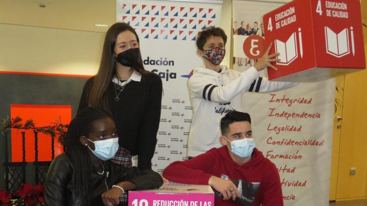 Alumnos de Bachillerato de toda España responden si es más responsable consumir o ahorrar en tiempo de Covid