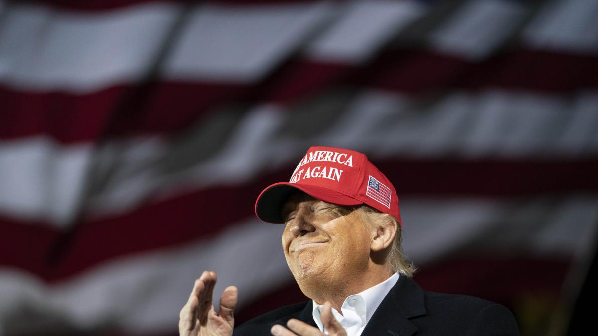 Trump está considerando perdonarse a sí mismo, según 'The New York Times'