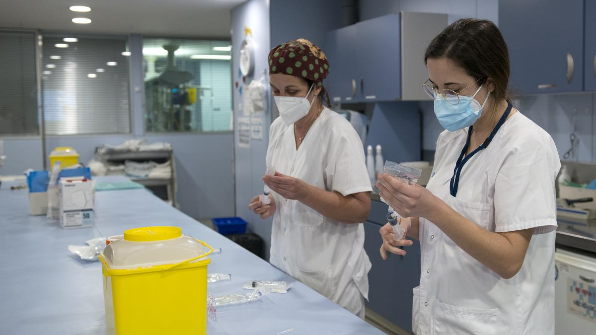 Salut calcula que el 14-F podría haber más de 600 pacientes graves por Covid en las UCI catalanas