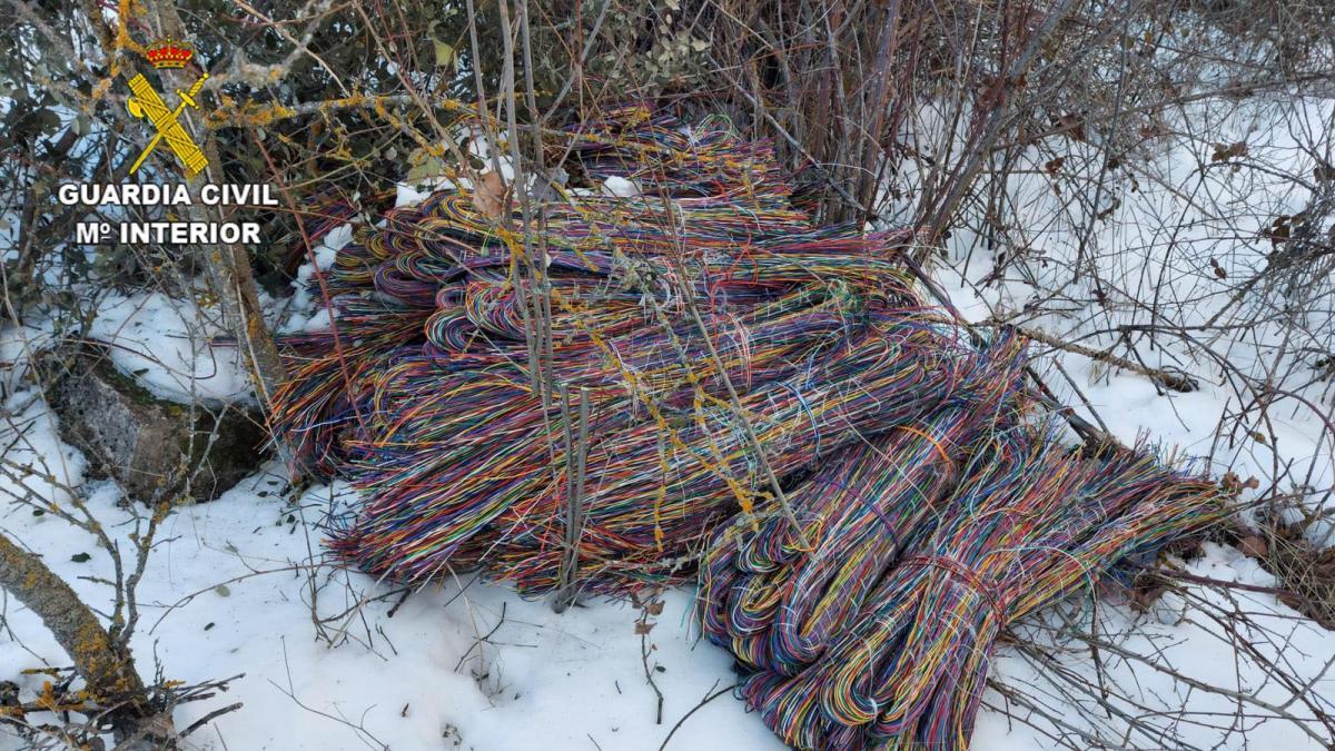 Cuatro detenidos en Luzaga (Guadalajara) por robar 820 metros de cable del tendido telefónico