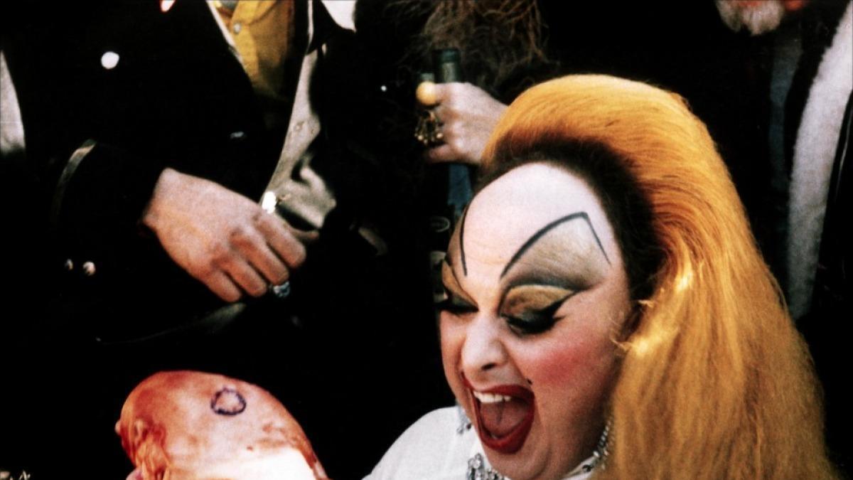 Divine, del trash al estrellato: historia de la drag queen más irreverente