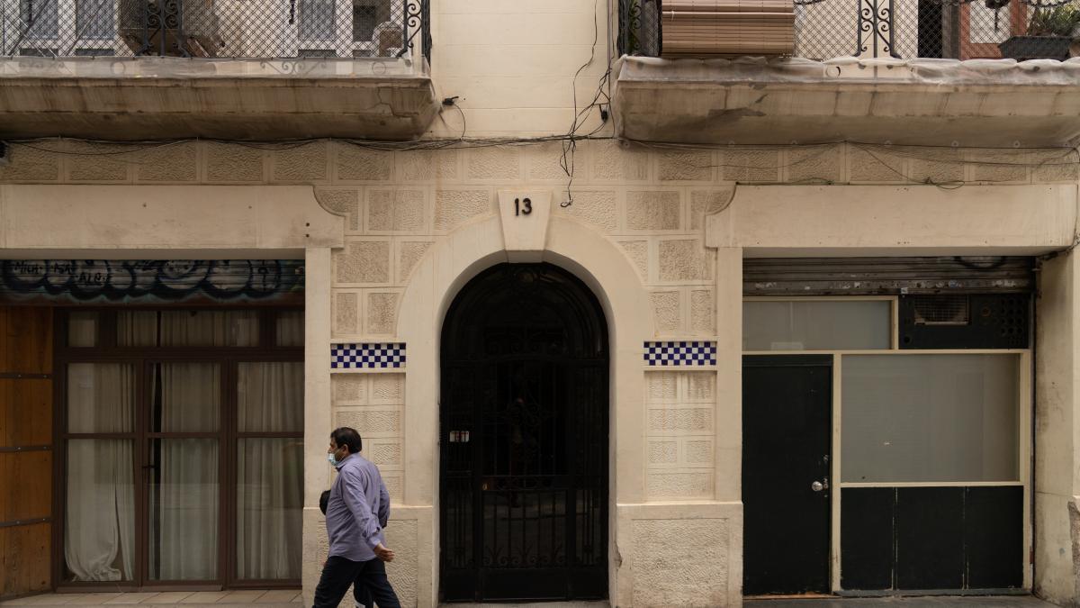 Crece la presión en Barcelona para convertir locales comerciales vacíos en viviendas