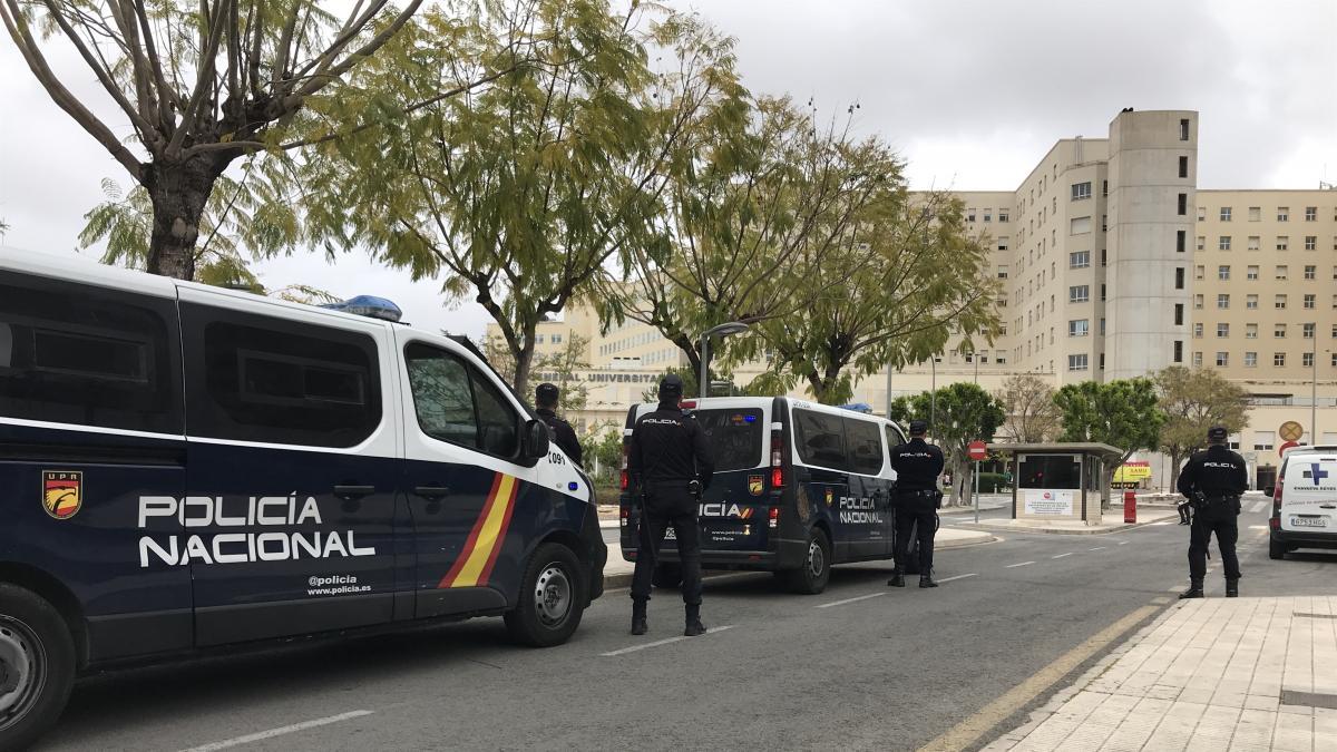 Dos jóvenes detenidos por intentar entrar a València desde Barcelona con un kilo de marihuana