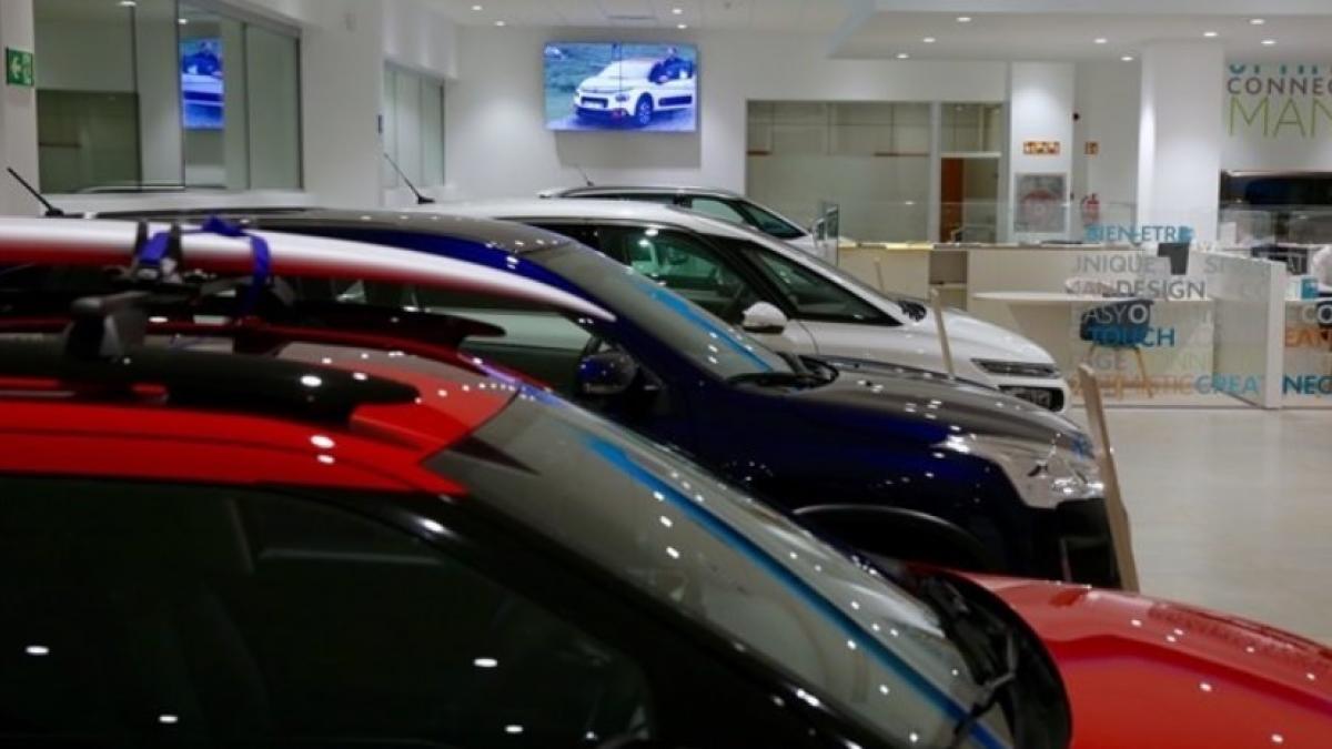 Las matriculaciones de vehículos se desploman un 51,4% en febrero en la Comunitat, hasta las 4.500 unidades