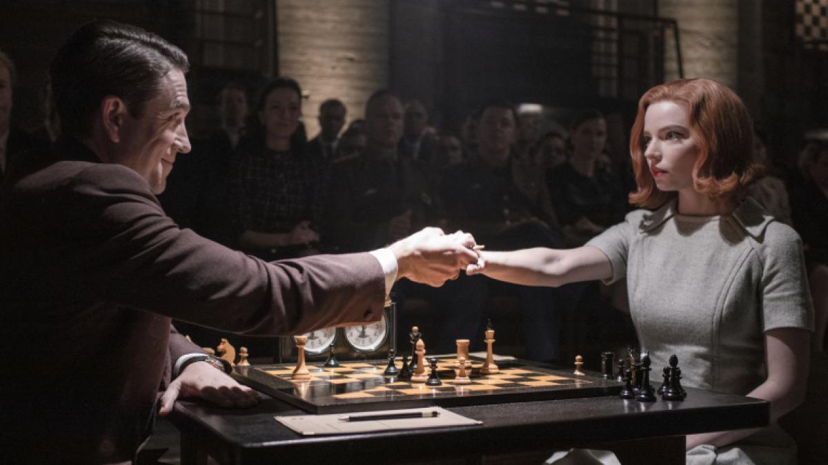 Anya Taylor-Joy y 'Gambito de dama' hacen jaque mate en los Globos de Oro 2021