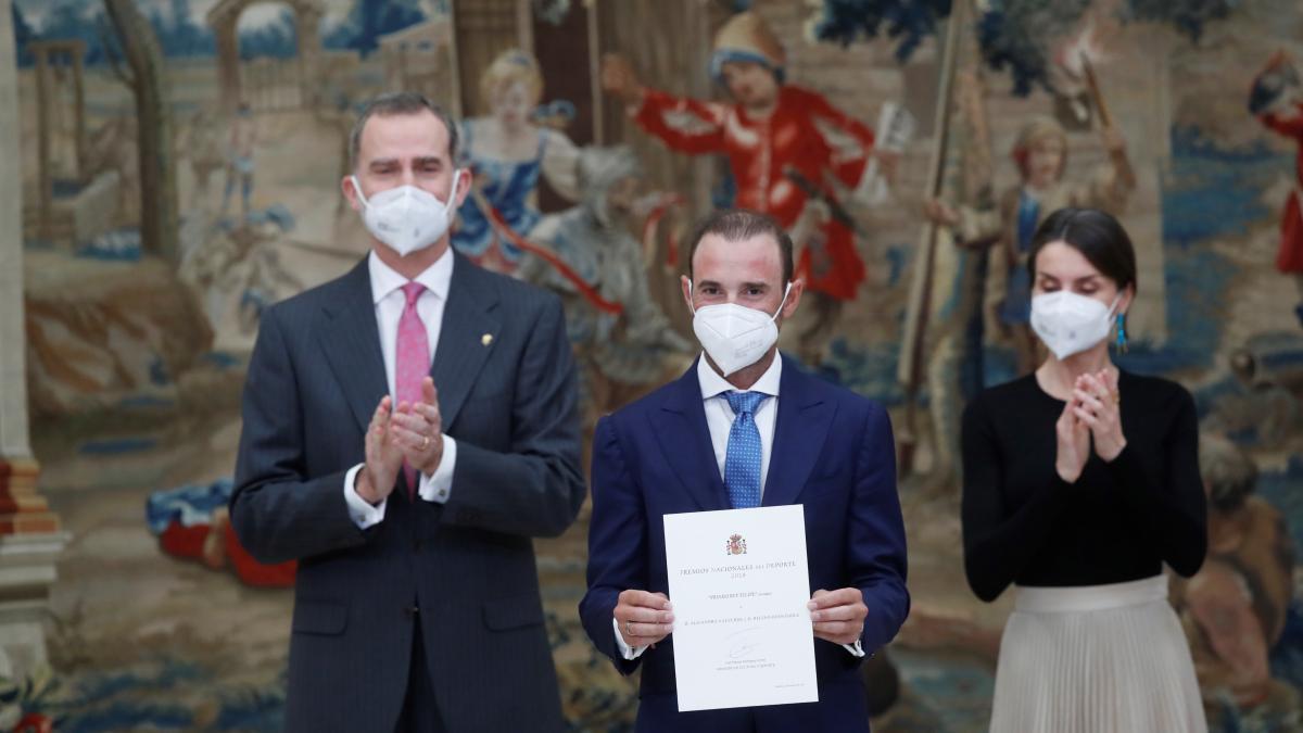 Polémica por el Premio Rey Felipe de Alejandro Valverde: sancionado por dopaje e implicado en la Operación Puerto