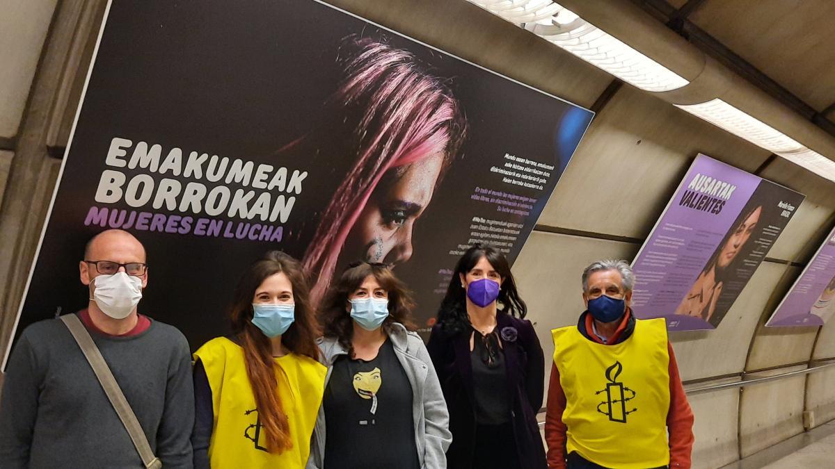 """Metro Bilbao acoge la exposición de Amnistía Internacional """"Mujeres en lucha"""" con motivo del 8 de marzo"""