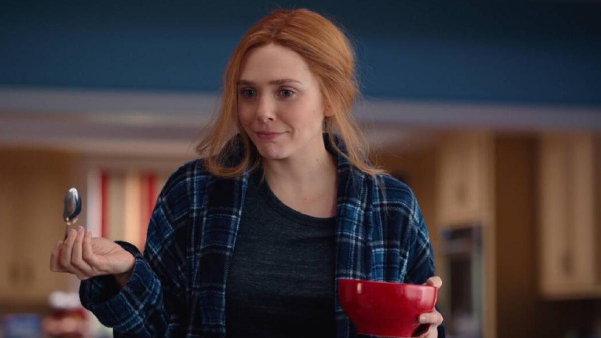 'Bruja Escarlata y Visión': John Stamos recupera una foto de Elizabeth Olsen en 'Padres forzosos'