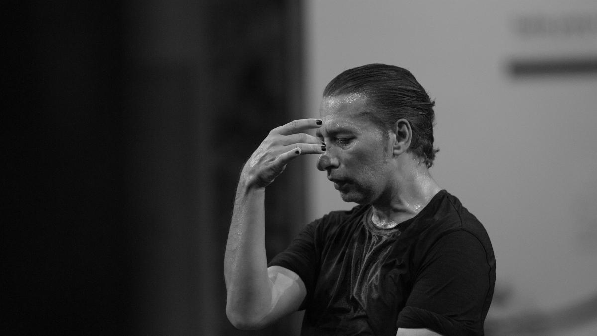 El bailaor Israel Galván transforma en movimiento 'El amor brujo' de Falla en Dansa València