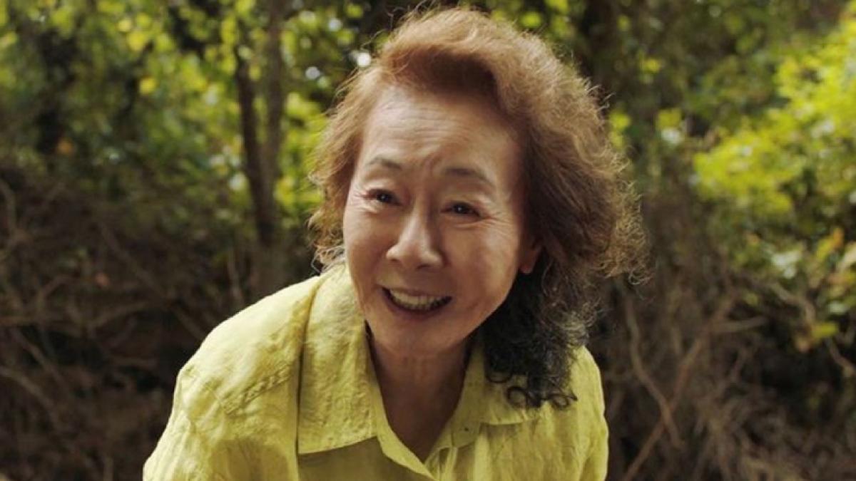 """Youn Yuh-Jung ('Minari') pide disculpas por llamar """"esnobs"""" a los británicos"""