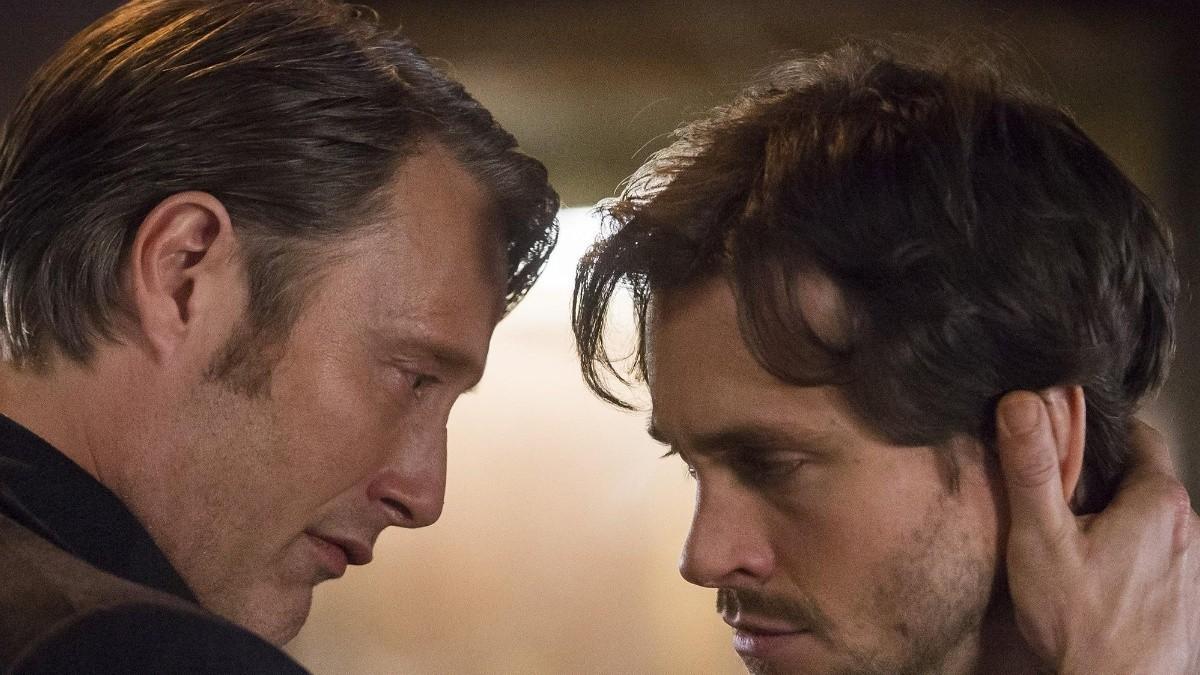 Mads Mikkelsen estuvo a punto de besar a Hugh Dancy en la escena final de 'Hannibal'