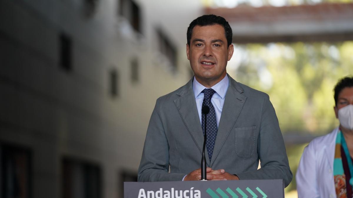 """El aviso de Moreno al Gobierno sobre la segunda dosis de AstraZeneca: """"O toman una decisión o l ..."""