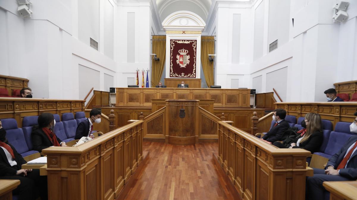 """El presidente de las Cortes de C-LM lamenta la """"carencia de ideas"""" que observa en el debate parlamentario nacional"""