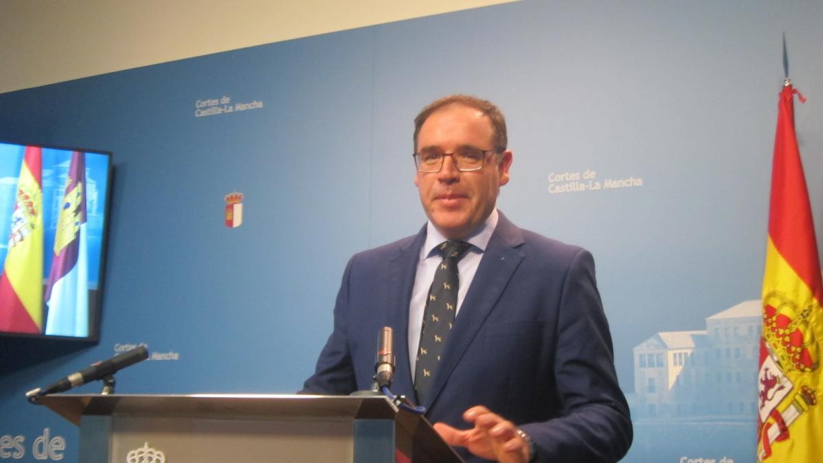 """El presidente del PP de Cuenca rechaza tomar medidas contra Cospedal porque """"ha sido una excelente presidenta"""""""