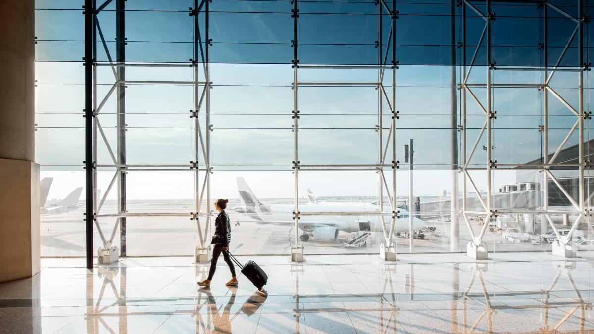 Barcelona defiende construir una terminal satélite en el aeropuerto sin ampliar su perímetro
