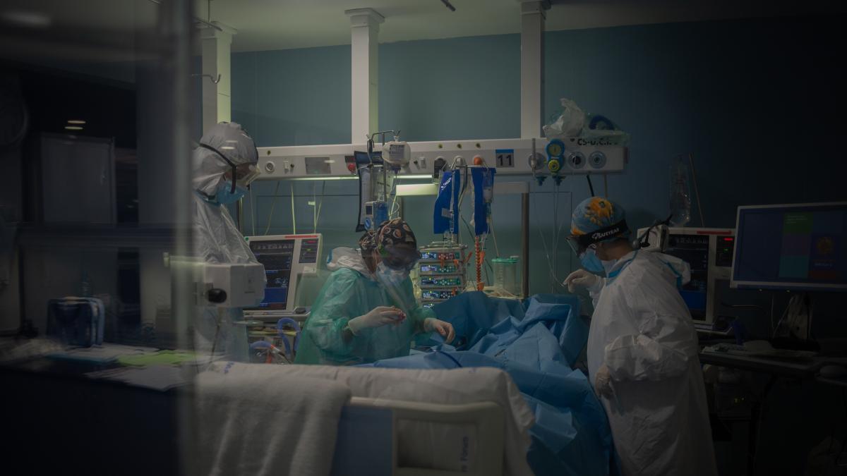 El número de nuevos casos aumenta a 198 en C-LM, que suma un fallecido más