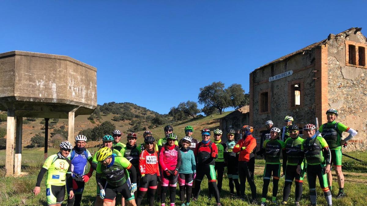 Convocan una marcha ciclista en demanda de convertir en vía verde la antigua línea de tren de Minas de Cala
