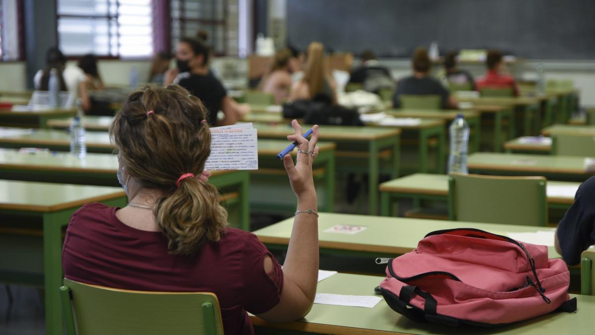 El 97,99% de estudiantes presentados a las PAU en la Comunitat Valenciana supera los exámenes, un 1,2% más