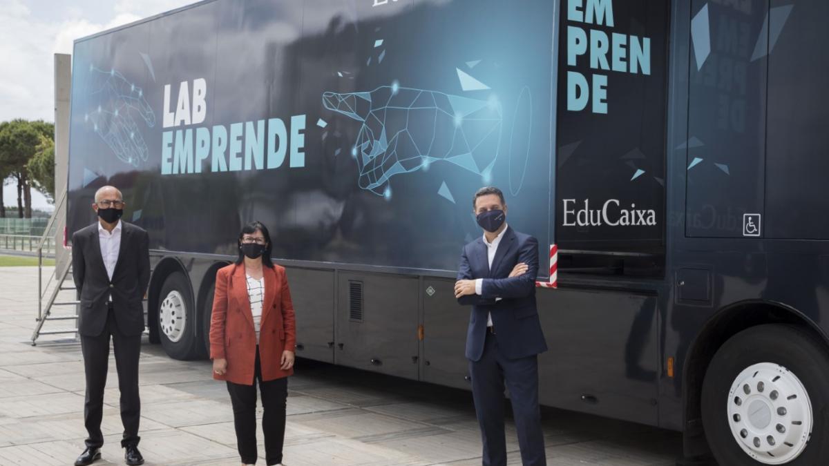 Arranca el LabEmprende, un bus interactivo que viajará por España para despertar habilidades emprendedoras