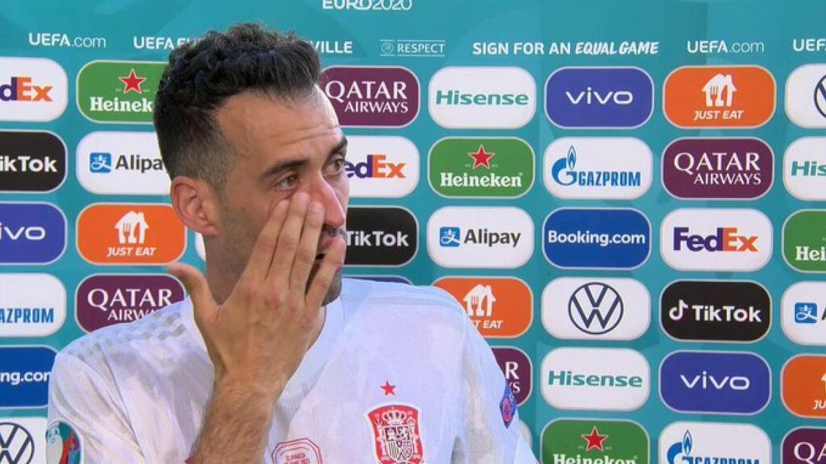 """Busquets rompe a llorar tras la goleada a Eslovaquia: """"Lo he pasado muy mal, no sabía si iba a poder volver"""""""