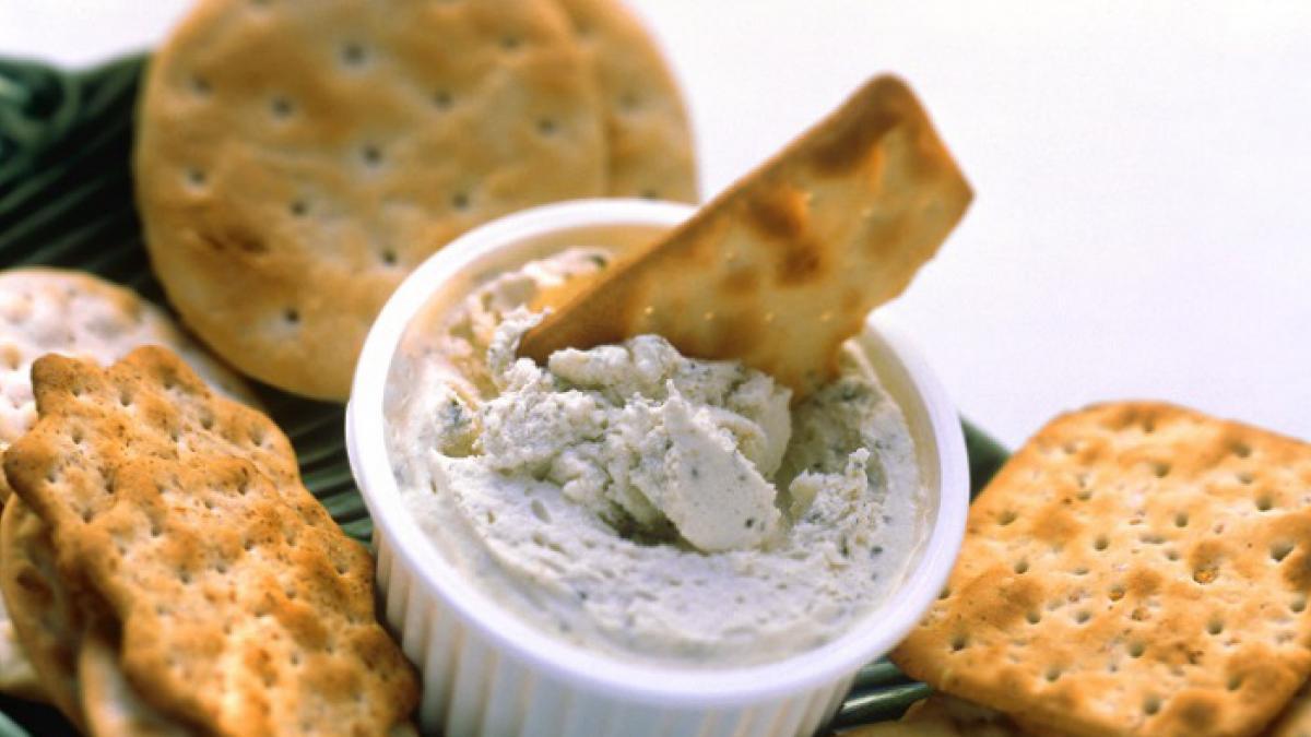 Cuando no sabes qué picar: receta de galletas saladas tipo 'crackers'