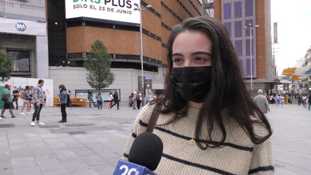 """Los españoles, ante el fin de la mascarilla: """"Si sé que no voy a entrar en ningún sitio no la l ..."""