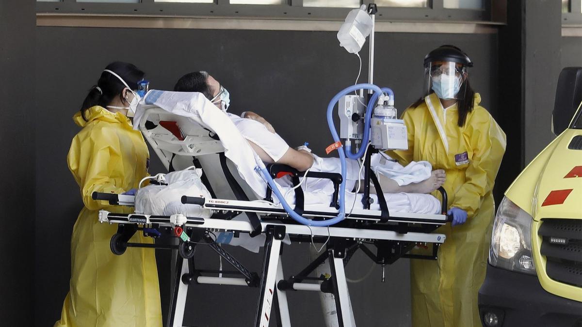 Un estudio español señala que el plasma de quienes han superado la Covid puede evitar que otros enfermen de gravedad