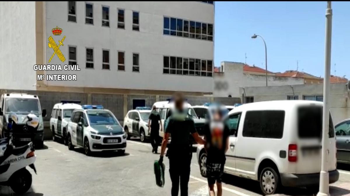 Detenido en Torrevieja dos veces en una semana el 'ladrón de las servilletas' que desvalijaba tiendas, bares y restaurantes