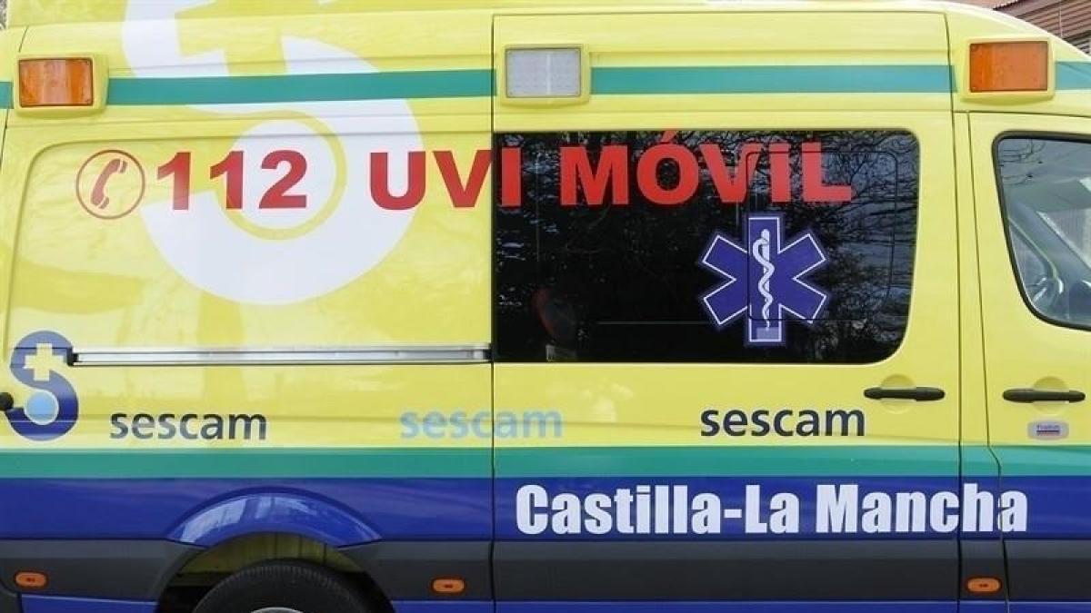 Trasladado al hospital un niño de dos años que quedó sumergido en una piscina de Guadalajara