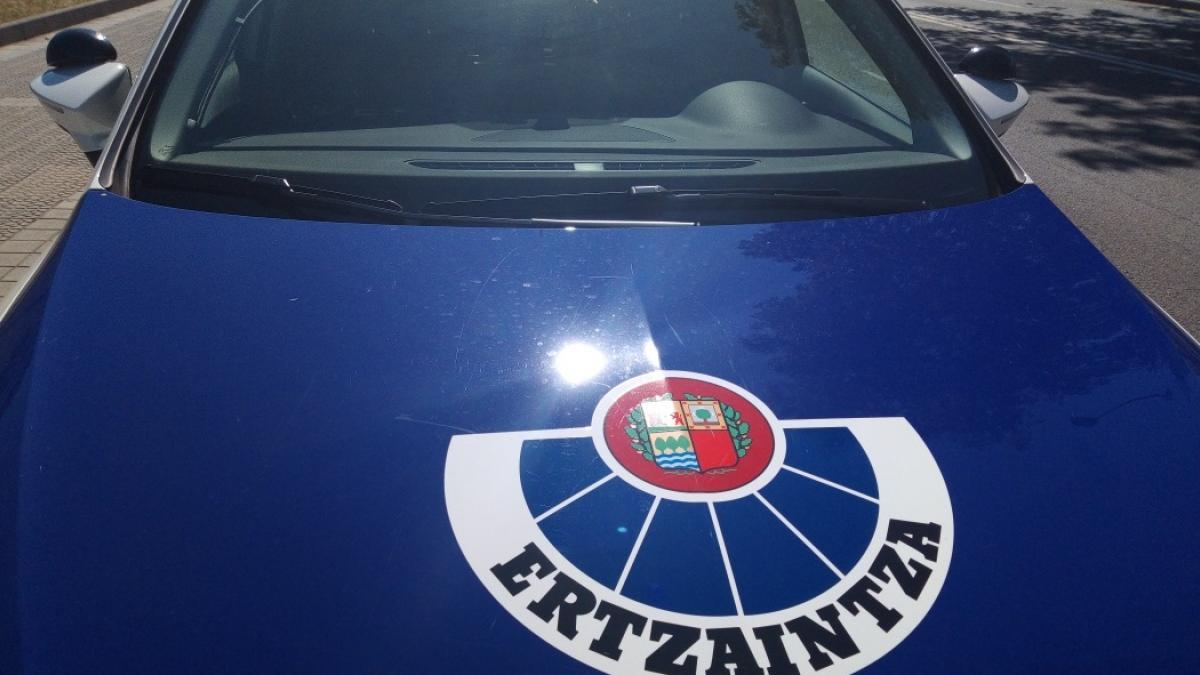 La Ertzaintza advierte de los robos a través del 'abrazo solidario'
