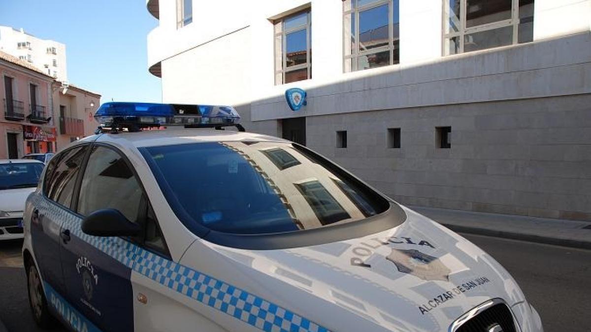 Detenido en Alcázar de San Juan por robo en un establecimiento e identificado a un segundo individuo