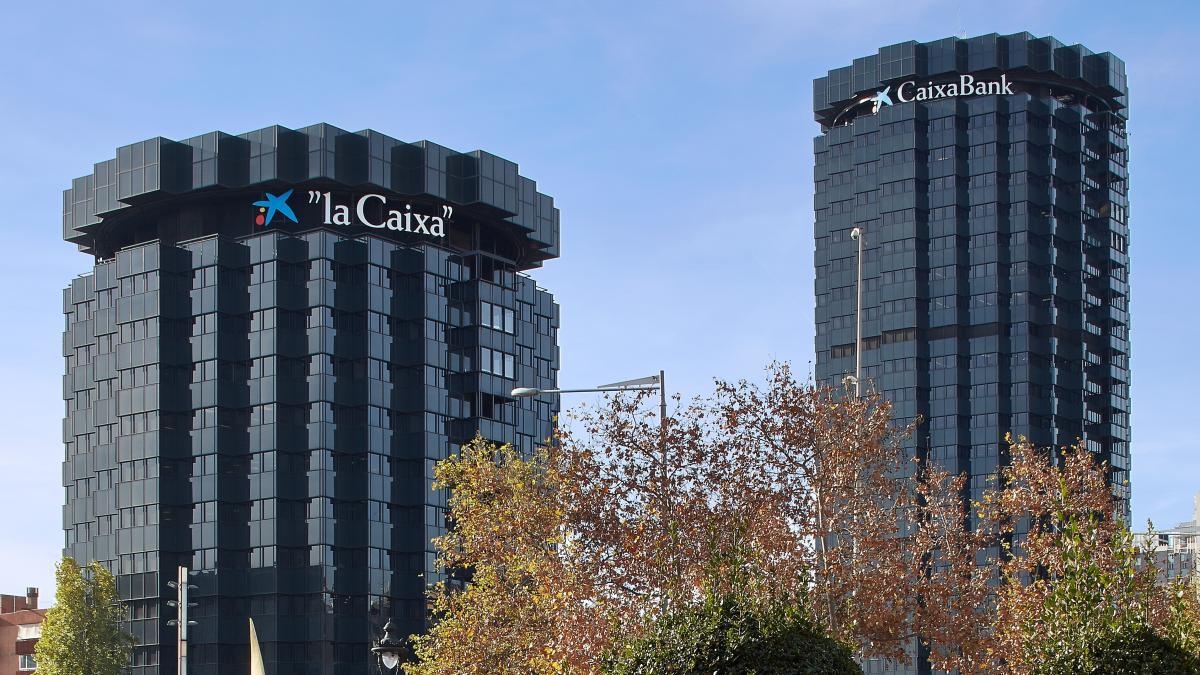 CaixaBank, condenada a devolver 52.000 euros a una empresa que invirtió en un bono de Abengoa