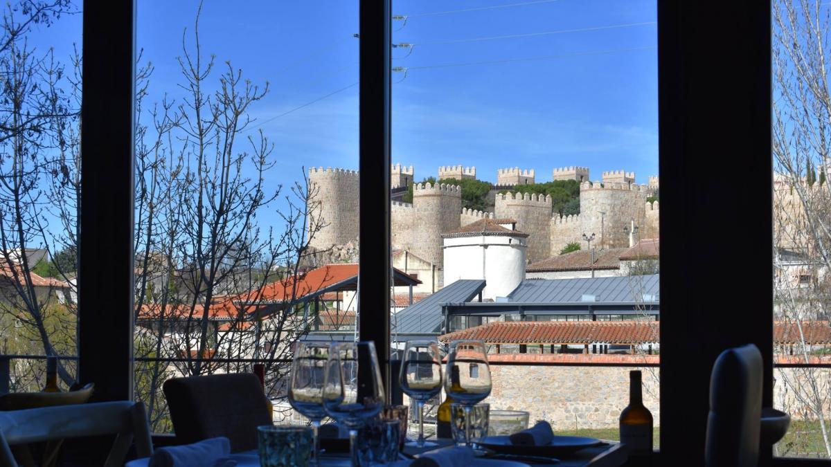 10 restaurantes en Ávila para enamorarte de sus vistas y de su gastronomía