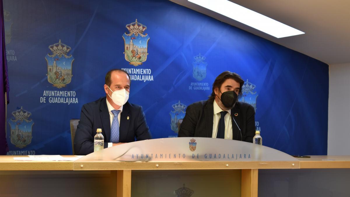 Guadalajara y Marchamalo actualizarán el convenio sobre agua y Rojo pide explicaciones al PP por incumplirlo 12 años
