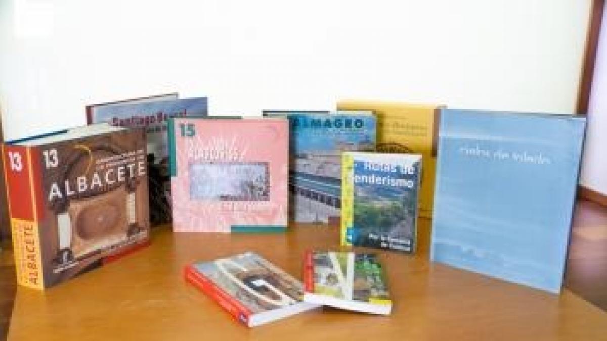 Más de 3.000 alojamientos turísticos de C-LM recibirán fondos bibliográficos sobre el patrimonio de la región