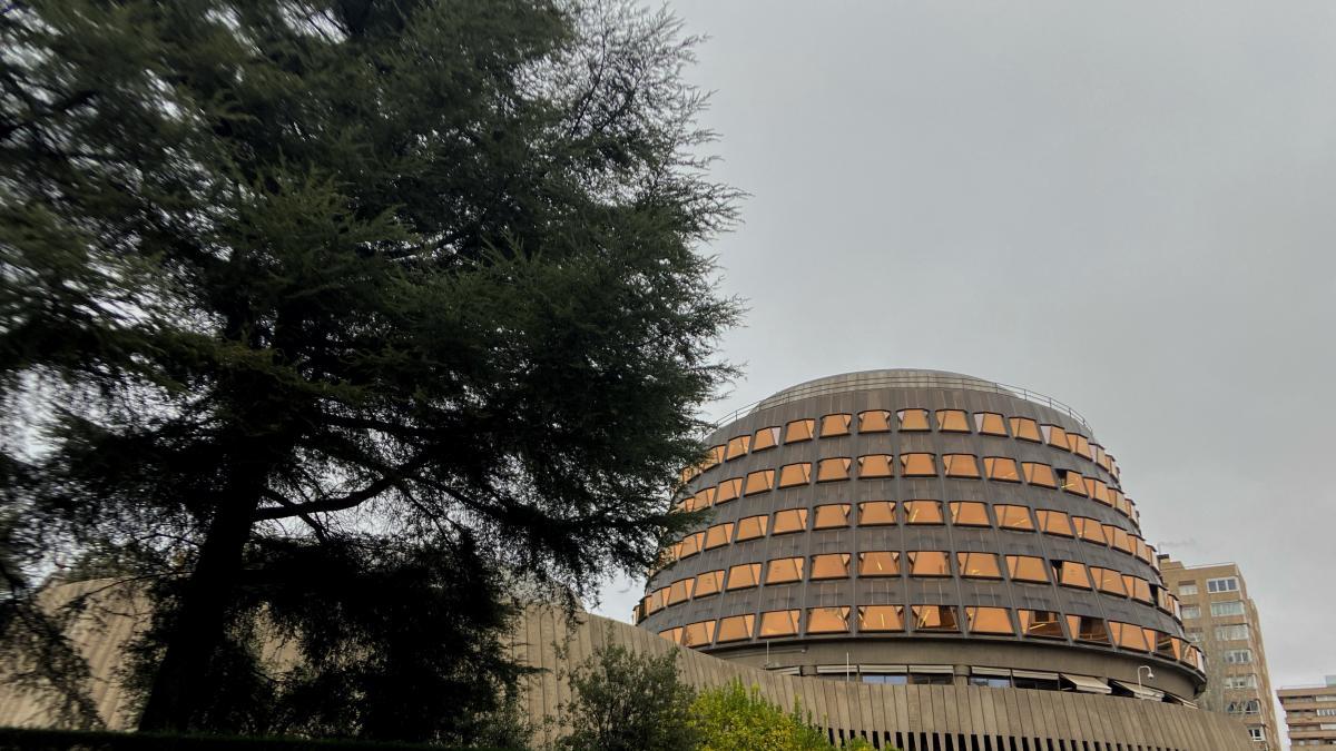 El TC suspende una disposición del Estatuto de Personal del Parlamento de La Rioja tras admitir el recurso del Gobierno